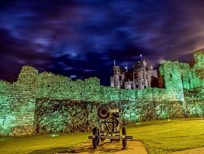 Trim Castle foto noturna. AndyMurrayPhotos