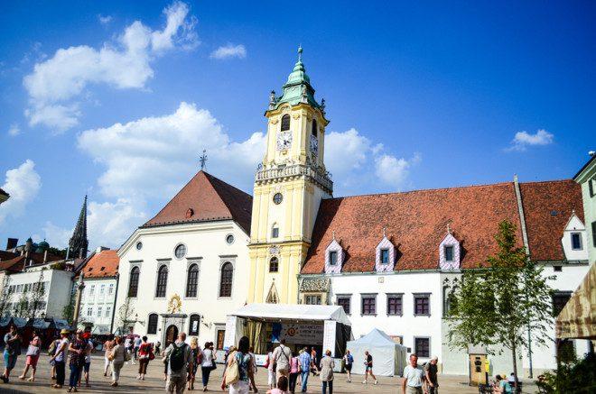 Já ouviu falar em Bratislava? Ela também fica no Leste Europeu. © Gkasabova | Dreamstime.com