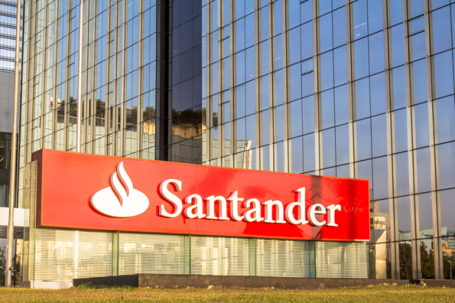 Banco Santander oferece empréstimo para fazer intercâmbio.© Alf Ribeiro | Dreamstime.com