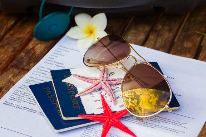 Antes de qualquer viagem para o exterior cheque todos os documentos© Neirfy | Dreamstime.com