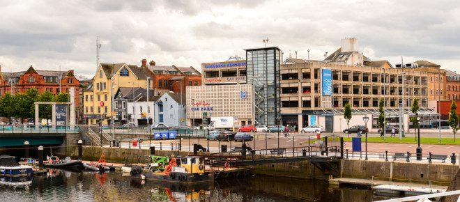 Belfast é a cidade onde esta localizado o museu Titanic.© Siempreverde22 | Dreamstime.com