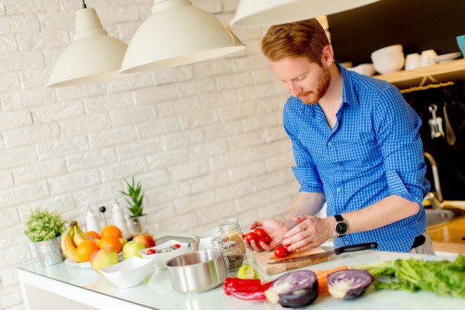 Fazer comida em casa sai mais barato© Boggy | Dreamstime.com