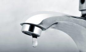 O que fazer quando não sai água da torneira?