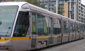 Transporte público em Dublin: LUAS