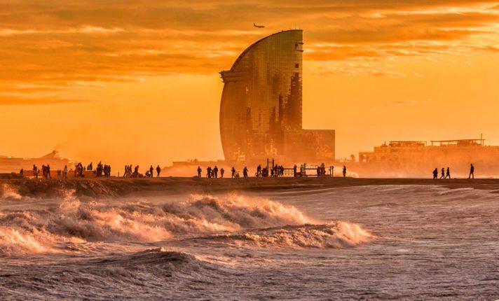 Quer curti praia? Seu destino é Barcelona