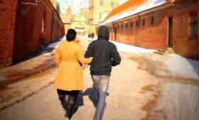 """Casamento com gringo! O que é o """"Facto Relationship""""?"""