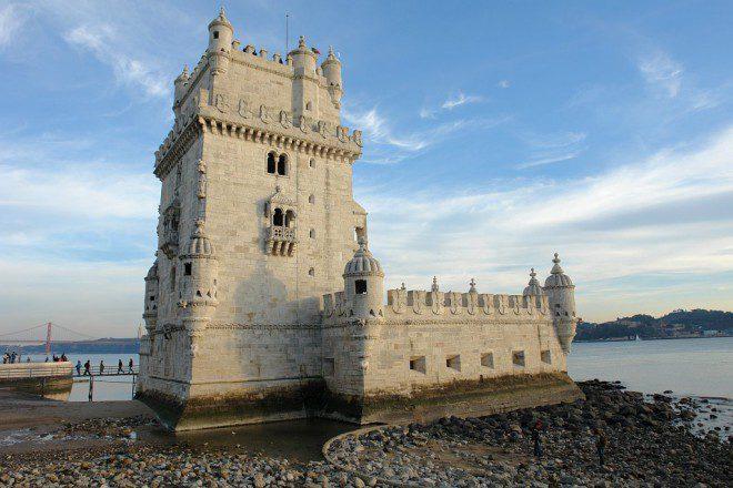 A Torre de Belém é um dos atrativos que recebe visitas gratuitamente aos domingos. Reprodução: Wikipédia