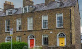 Por que as portas das casas irlandesas são coloridas?