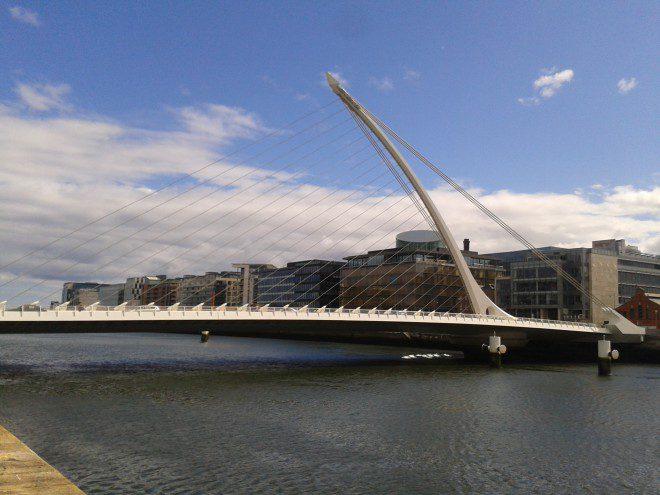 Ponte Samuel Beckett em Dublin tem formato de harpa Imagem: Elizabeth Gonçalves