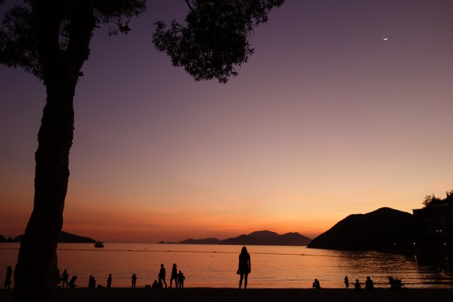 Stanley Beach no final da tarde. Fonte: thrilling HK