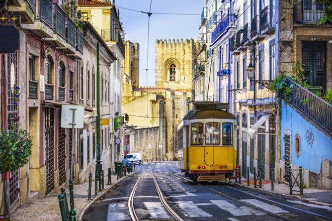 Português de Portugal e do Brasil pode ser bem diferente. © Sean Pavone | Dreamstime.com