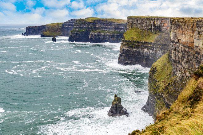 Cliffs Of Moher é uma das atrações irlandesas que mais recebe visitantes