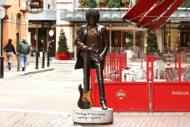 Estátua do cantor em Dublin