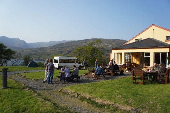 Ótima opção para quem quer visitar o Parque Nacional de Connemara. Crédito: hostelworld.com