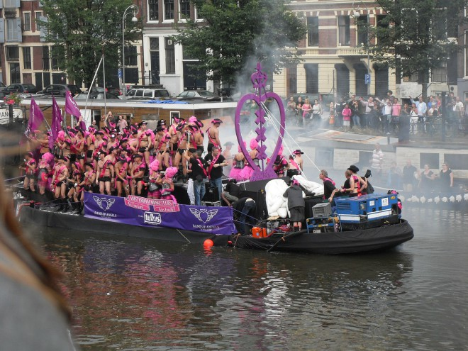 Parada Gay Amsterdam. Créditos: Pixabay.