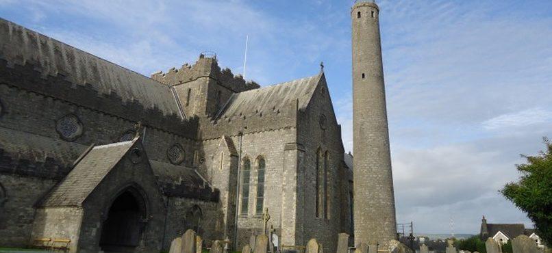 Descubra o significado das torres irlandesas