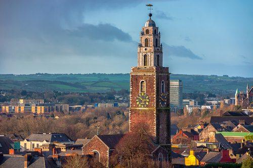 Na cidade de Cork, Irlanda, as igrejas impressionam. Foto: Shutterstock