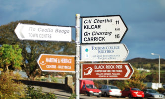 Visite vilas e cidades irlandesas onde o gaélico é a língua oficial