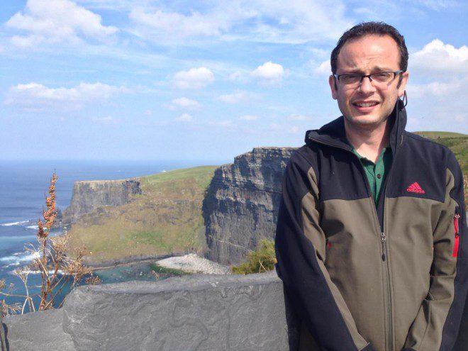 Flávio Batista, 34 anos no Cliffs of Moher. Créditos: Arquivo pessoal.