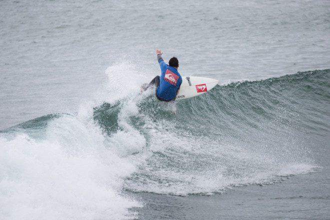 Sim. Da para surfar na Irlanda! Crédito Shutterstock