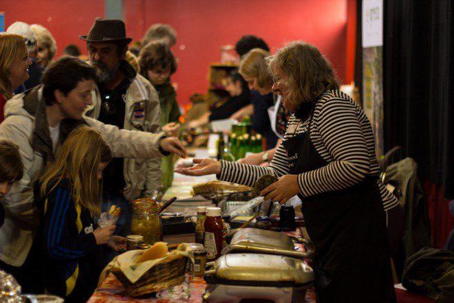 A feira gastronômica de Burren tem entrada gratuita e reúne produtores locais. Reprodução: Burren