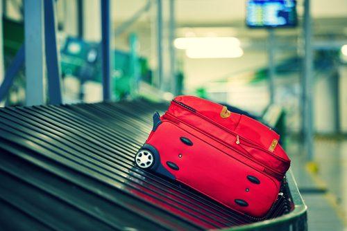 Bagagem na esteira do aeroporto. Foto: Shutterstock