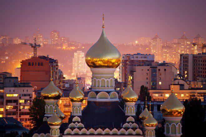St. Nicholas Cathedral no Pokrovsky Monastery em Kiev. Créditos: shutterstock.