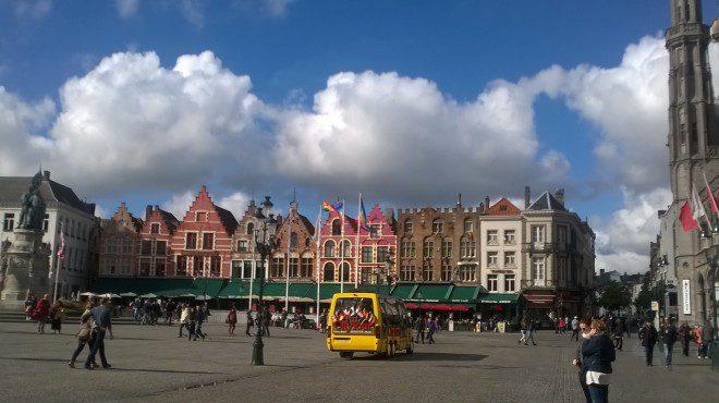 Grote Markt é a principal praça da cidade. Foto: Elizabeth Gonçalves