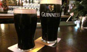 Que tal tomar uma Guinness grátis?