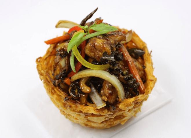 Bangok Chicken, prato servido no Golden Elephant. Reprodução Trip Advisor