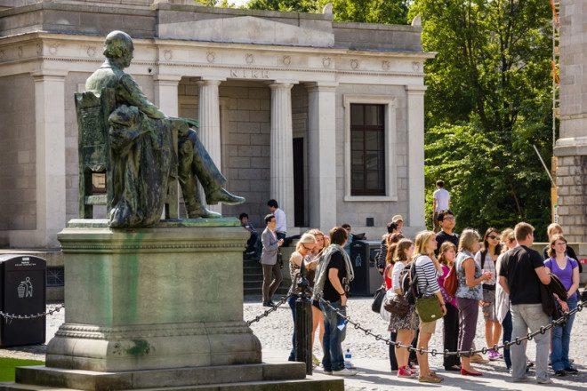 A Trinity College recebe inúmeras visitas. Todas gratuitas. Crédito: Daniel M. Cisilino | Dreamstime.com