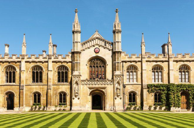 Cambridge é sede de uma das melhores universidades do mundo. Crédito: Nicolae Gherasim | Dreamstime.com