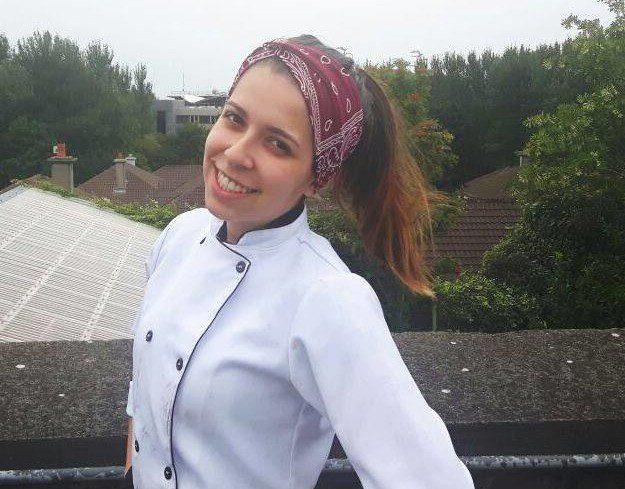 Laís atuou profissionalmente como chef em Galway e compartilha sua experiência no Galway Race Week. Arquivo pessoal