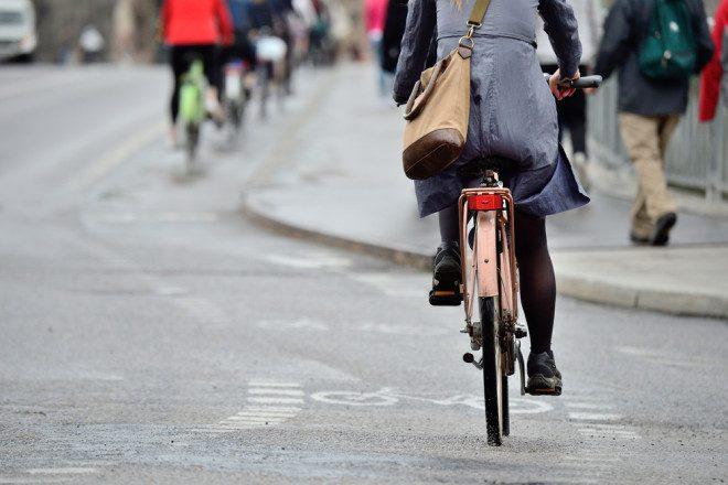Usar bicicleta para trabalhar em Dublin é economia para trabalhadores. Foto: Shutterstock