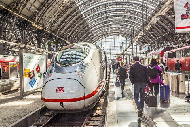 Saiba como aproveitar os mega descontos nos finais de semana na rede ferroviária Alemã. Foto: Shutterstock