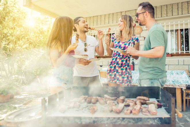 barbecue-shutterstock_334969973