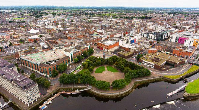 Limerick dá a oportunidade de entender a história irlandesa, além de abrigar uma universidade de grande prestigio. Foto: Shutterstock