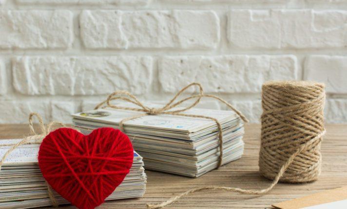 Que tal melhorar o inglês com a troca de postais?