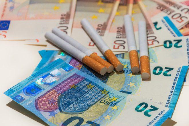 Fumar é um vício caro na irlanda. Foto: Shutterstock