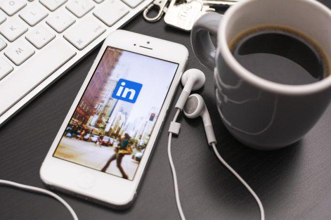 Um perfil atualizado no LinkedIn é importante! Foto: Marcel De Grijs | Dreamstime.com