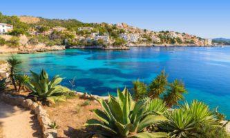 5 destinos para curtir praia e calor na Europa
