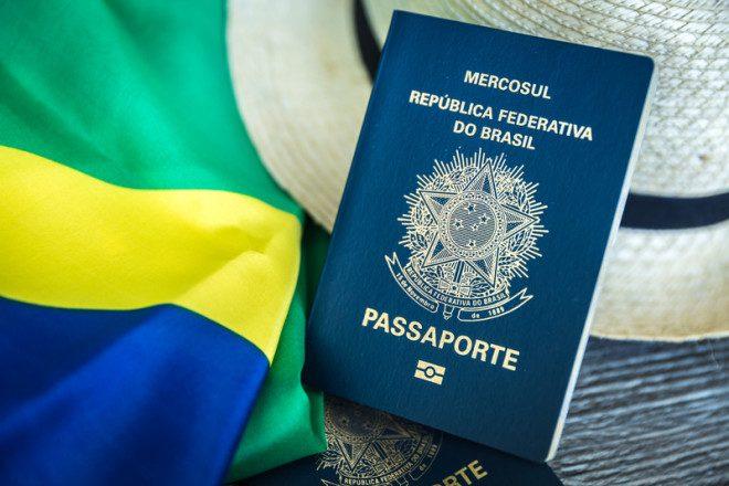 Viajantes, brasileiros e sem passaporte. Pelo menos até segunda ordem. Crédito: © Filipe Frazão Dreamstime
