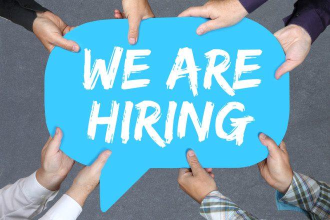 Verão tem grande oferta de empregos. Foto: Boarding1now | Dreamstime