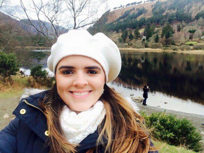 Marianna Jenkins: Depois de três anos morando em Dublin conquistou um emprego formal e hoje alia marketing e jornalismo. Arquivo Pessoal