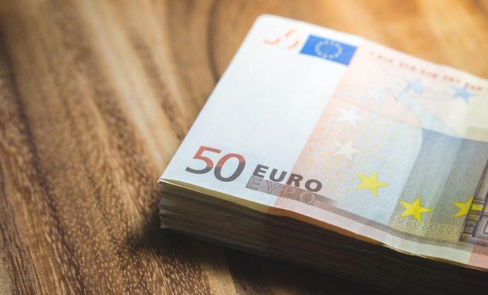 Governo anuncia aumento do salário mínimo na Irlanda