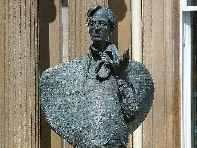 Estátua de Yeats na Stephen Street. Foto: Pixabay
