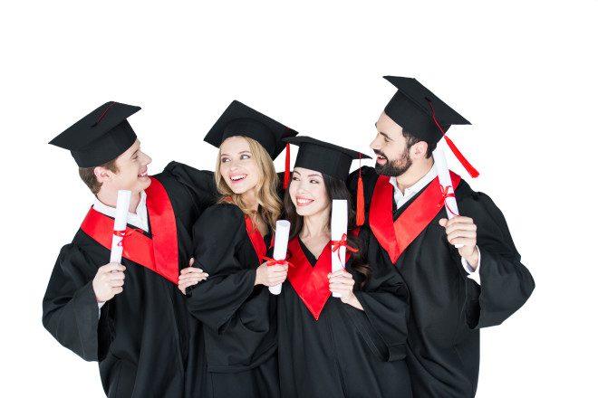 Informe-se sobre a validação do diploma de universidade portuguesa no Brasil diretamente com a instituição. Crédito: depositphotos / IgorTishenko