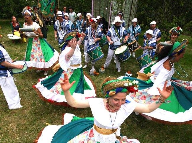 A Maracatu Ilha Brilhantepromete abrilhantar o evento com muita cultura brasileira. Foto Divulgação do evento.