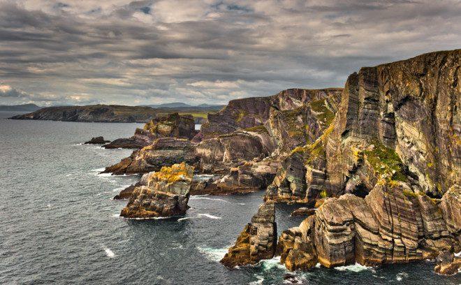 Mizen Head um dos extremos da Irlanda que merece uma visita! © Altezza | Dreamstime