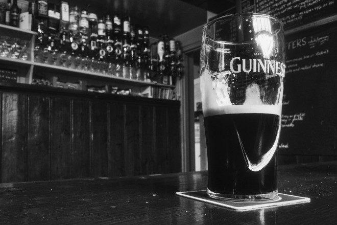 Uma pint de Guinness pra fechar o passeio. Foto: Pixabay